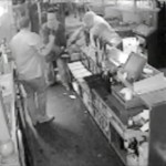 Brave Landlord Fights off Robbers With Kitchen Knife