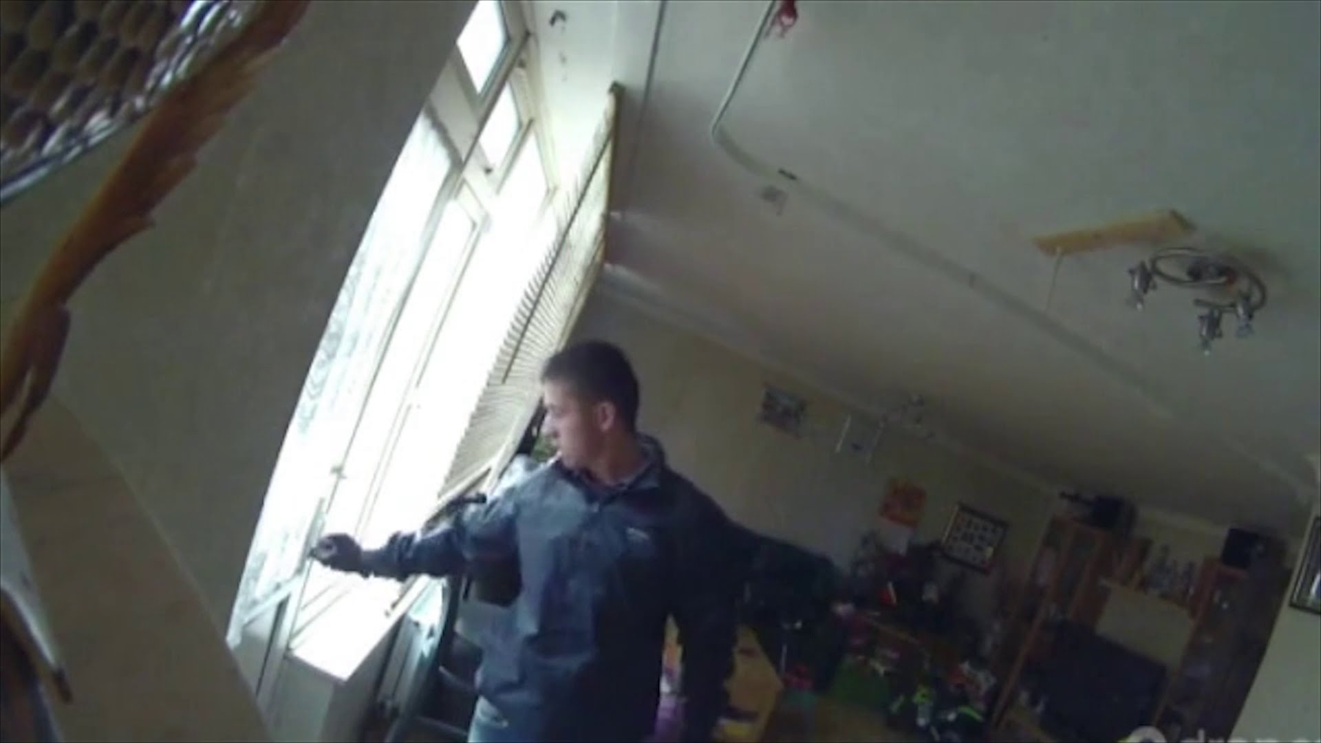 House burglar spots CCTV during crime
