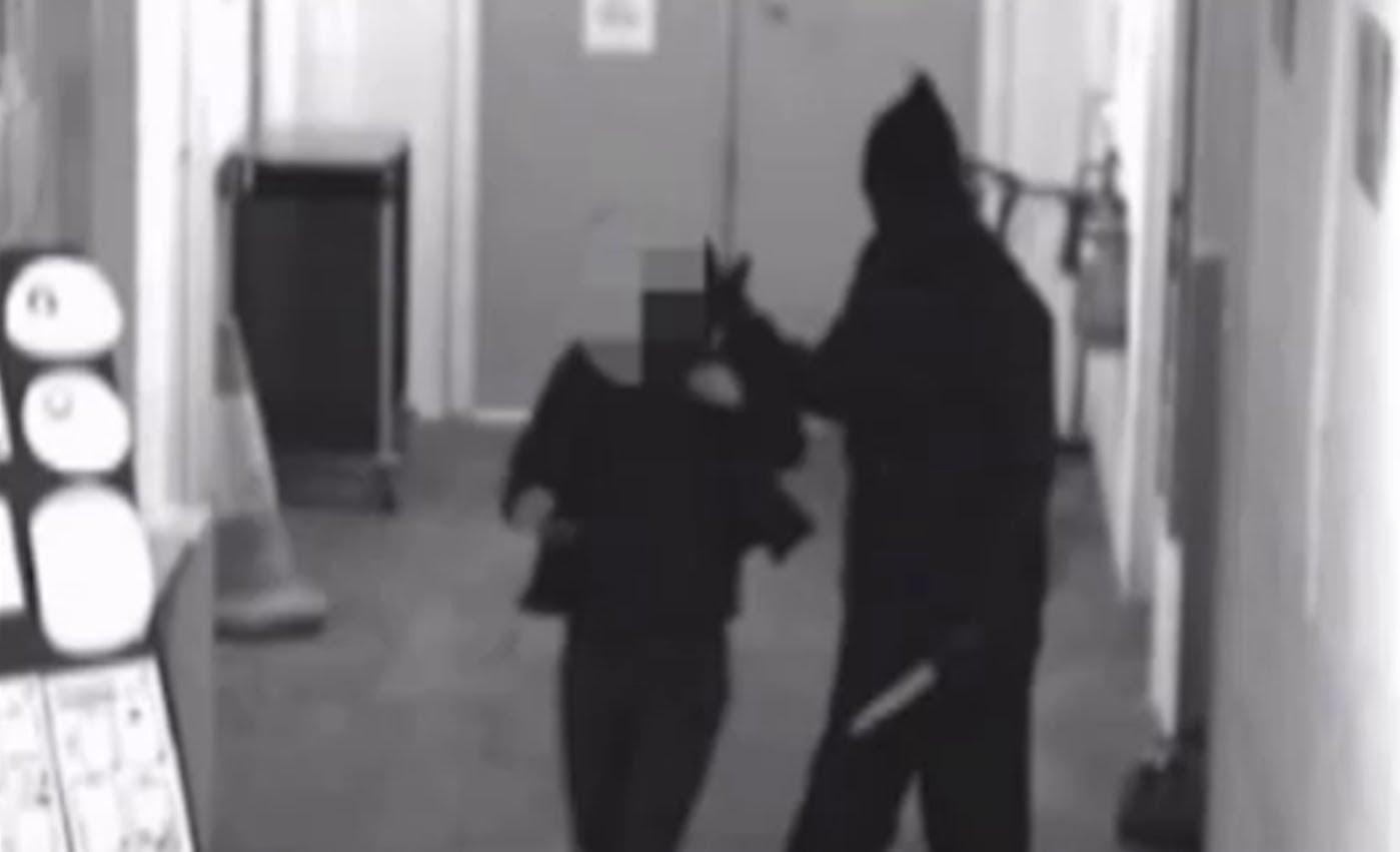 Masked men with swords & knives rob shop