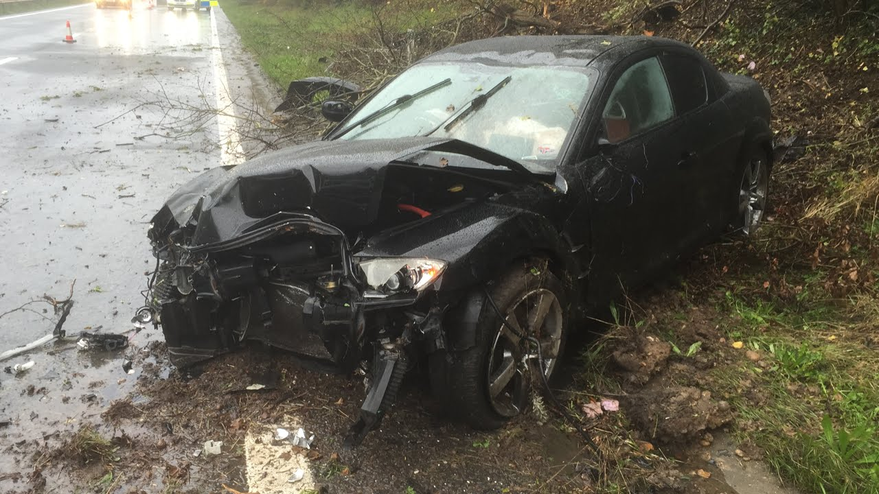 Mazda RX8 Crashes into Embankment /15B-PD2-006