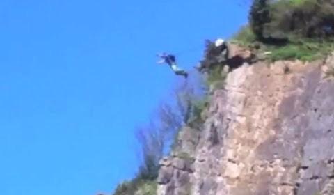 Awesome Base Jumping Avon Gorge Bristol