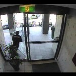 Bag Thief Smashes Into Glass Door FAIL /15C-PD2-004