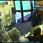Caught on CCTV – Thief attempts to rob a jewellers but the owner fights back