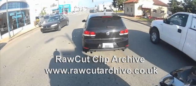Crazy Guy hits motorcyclist Road Rage""