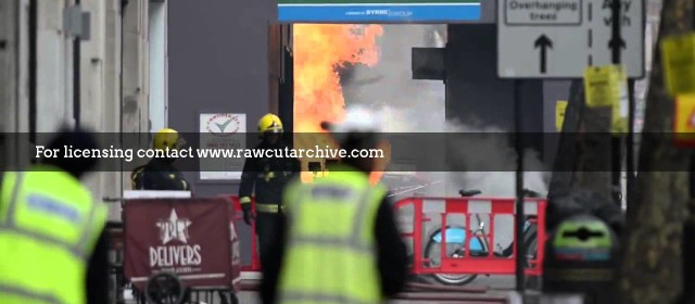 Underground fire in London /15G-PD101-030