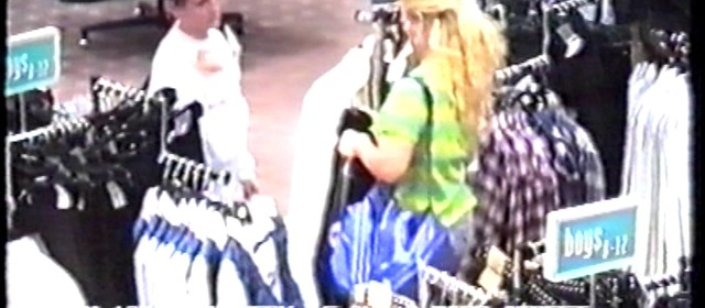 CCTV – C&A Shoplifter in eye-catching bright shirt