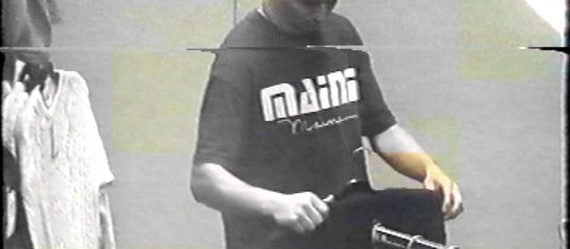 CCTV – C&A Shoplifter in T-shirt